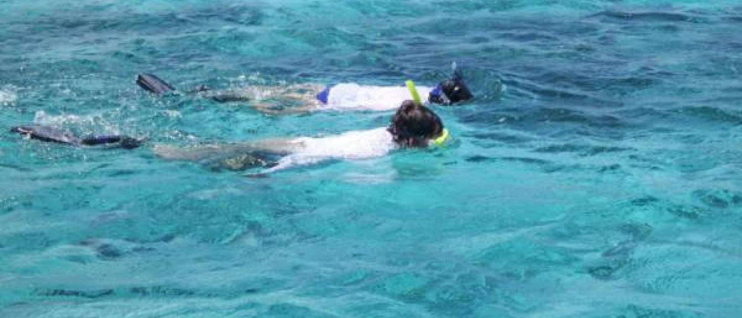 Snorkeling Tour to Rat Cay Blue Hole